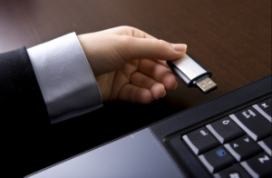 Windows 10 Technical Preview USB Drive