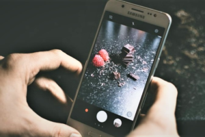 how to add picture to frame android